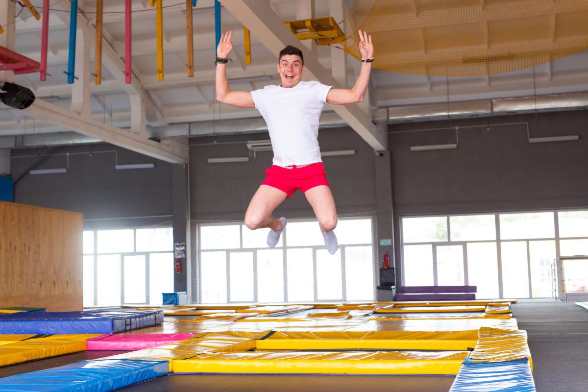 salle de trampoline homme